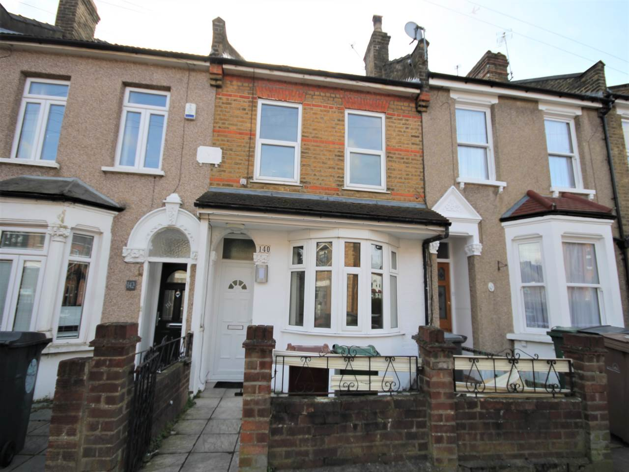 6 bed house to rent in Walthamstow, E17