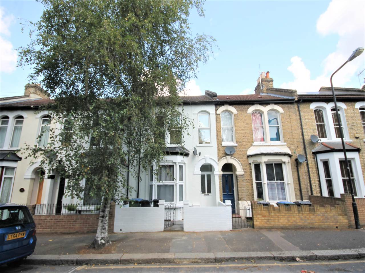 1 bed flat to rent in Hazelwood Road, Walthamstow, E17
