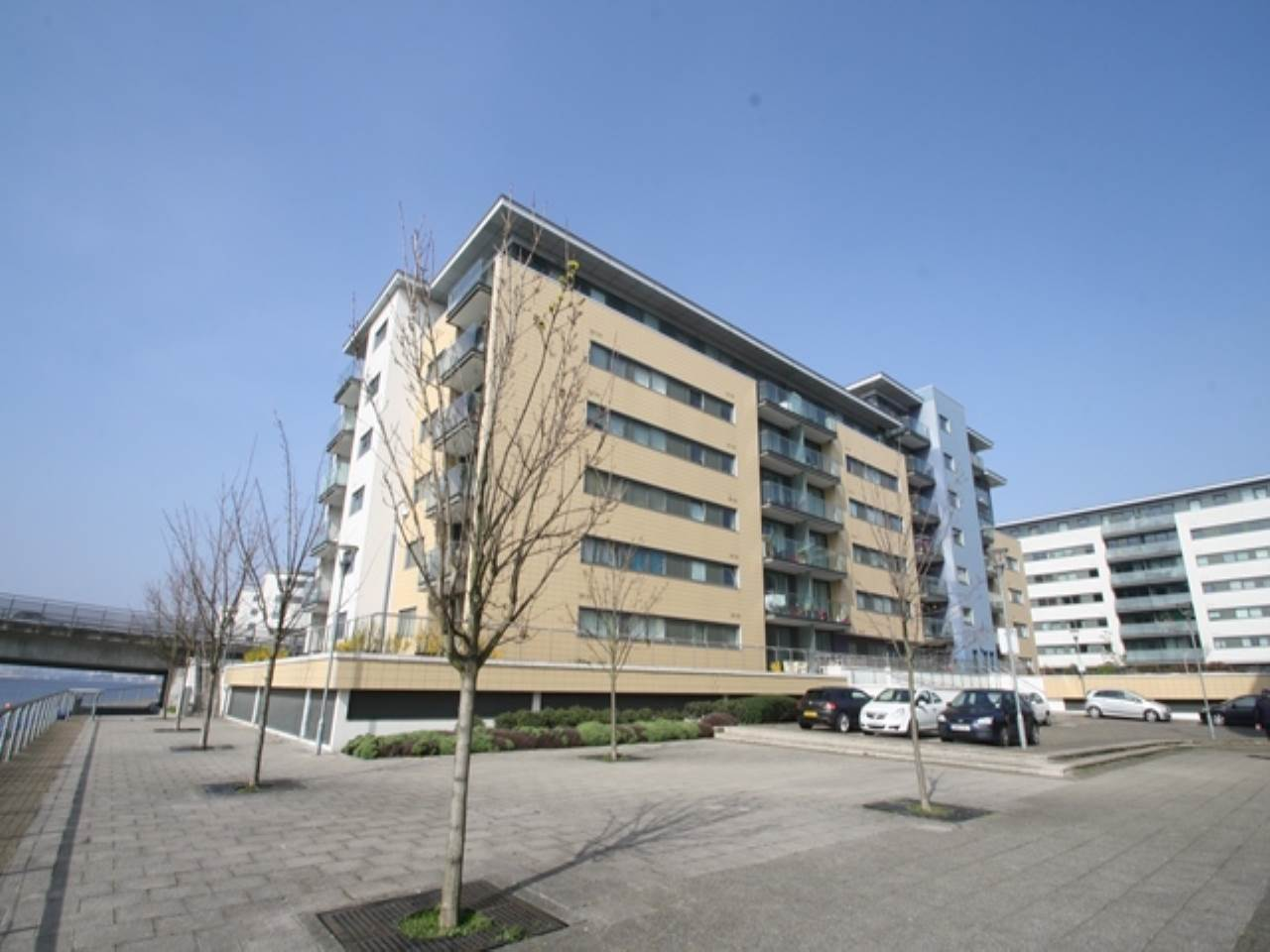2 bed flat to rent in Basin Approach, Royal Docks, E16