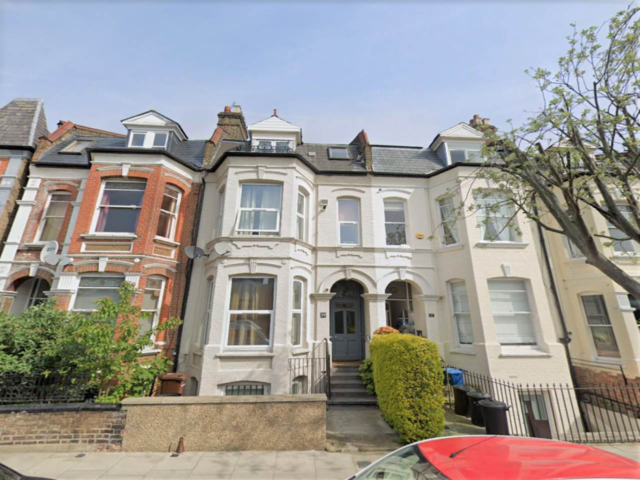 3 bed flat to rent in Stoke Newington, N16