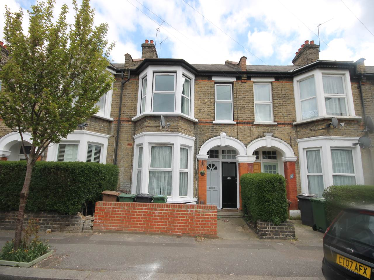 3 bed flat to rent in Brunswick Road, Leyton, E10