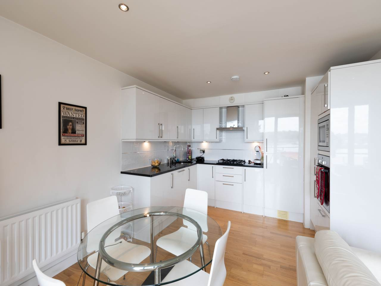 2 bed flat to rent  - Property Image 10