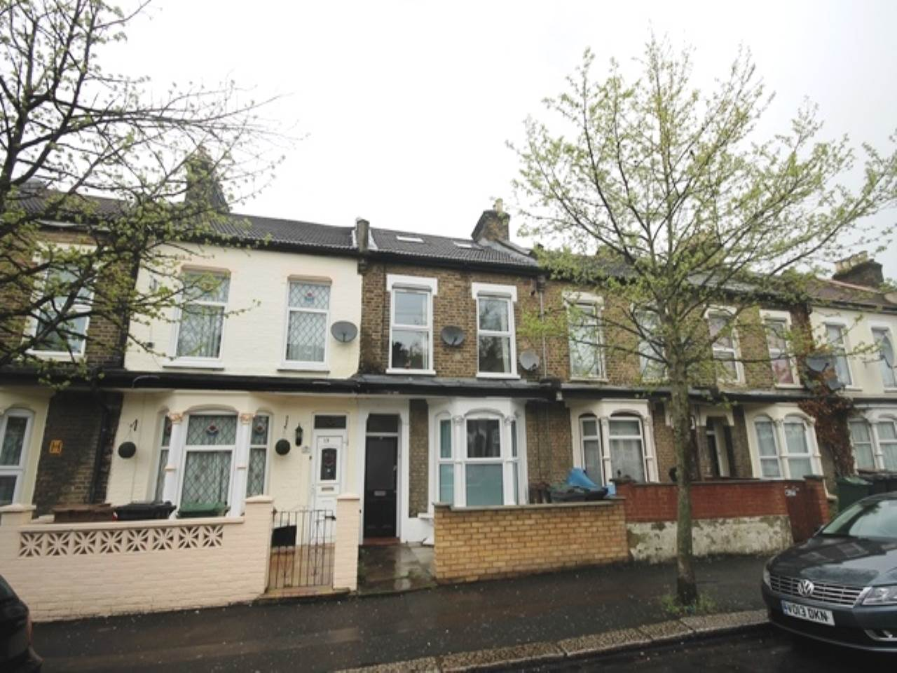 3 bed flat to rent in Leyton, E15