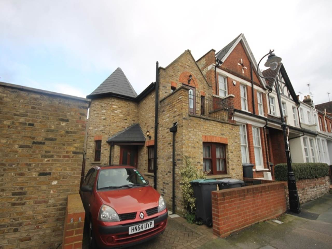 2 bed house to rent in Crouch End, N8