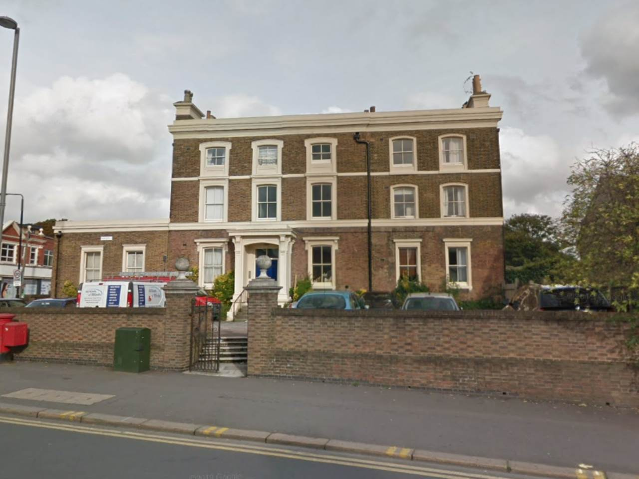 2 bed flat to rent in Cleveland House, Walthamstow, E17