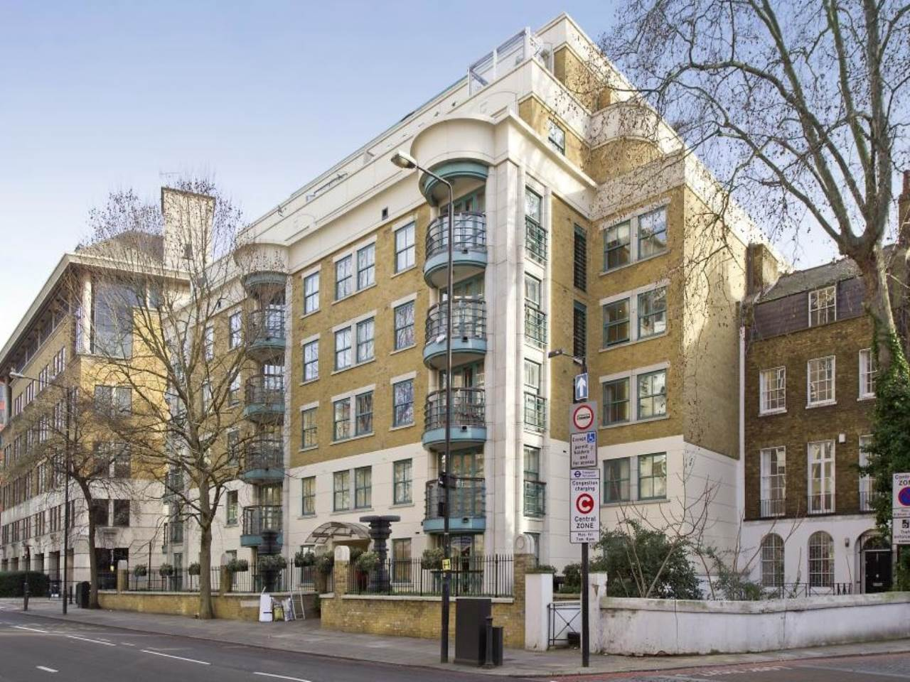 2 bed flat to rent in Old Marylebone Road, NW1