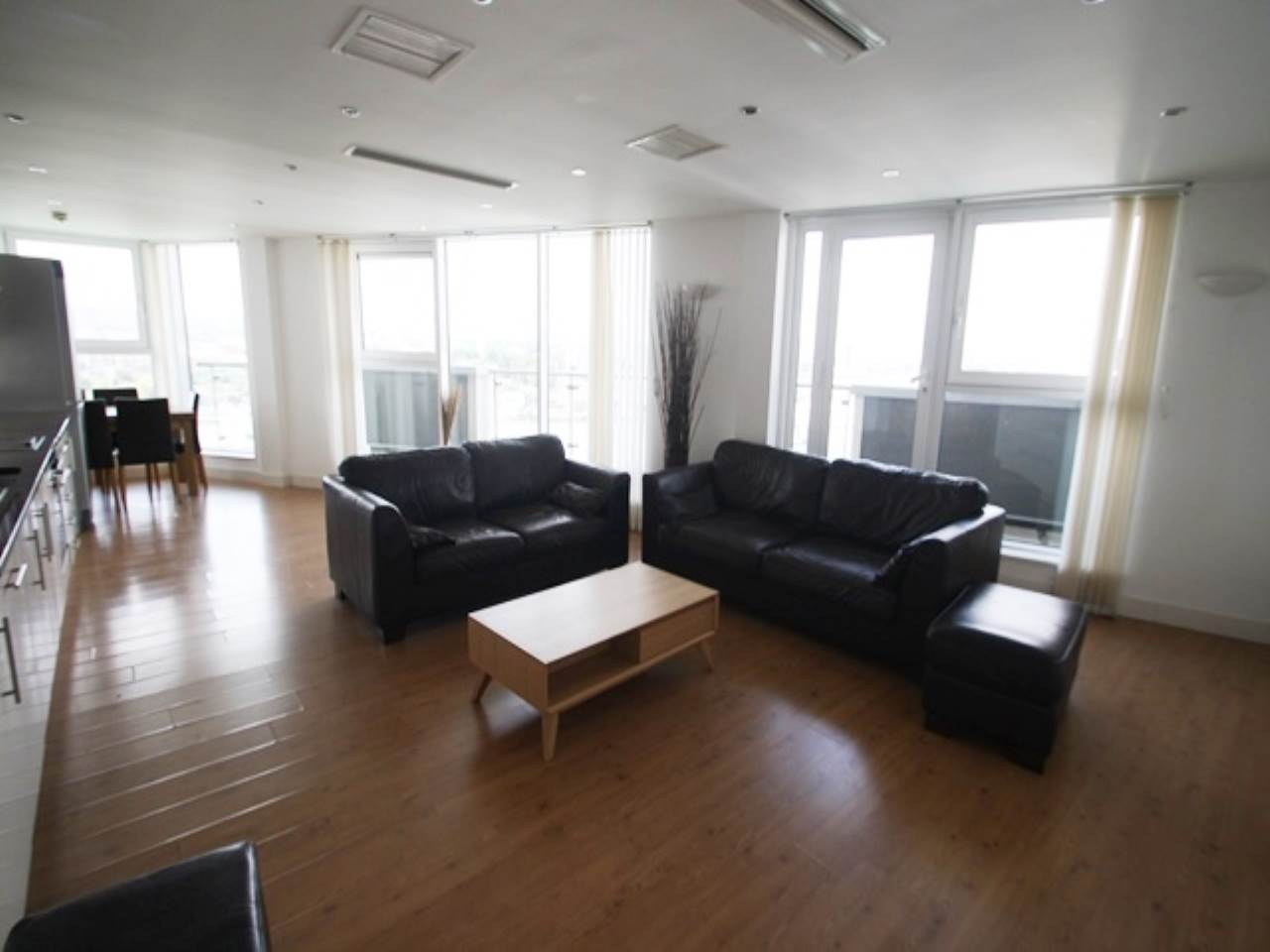 3 bed penthouse to rent in Royal Docks, E16