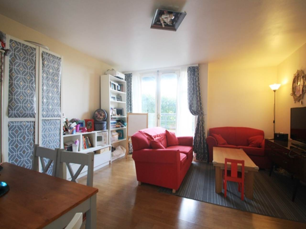 2 bed flat to rent in Felixstowe Court, North Woolwich, E16