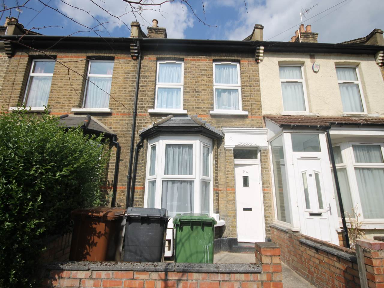 3 bed house to rent in Stratford, E15