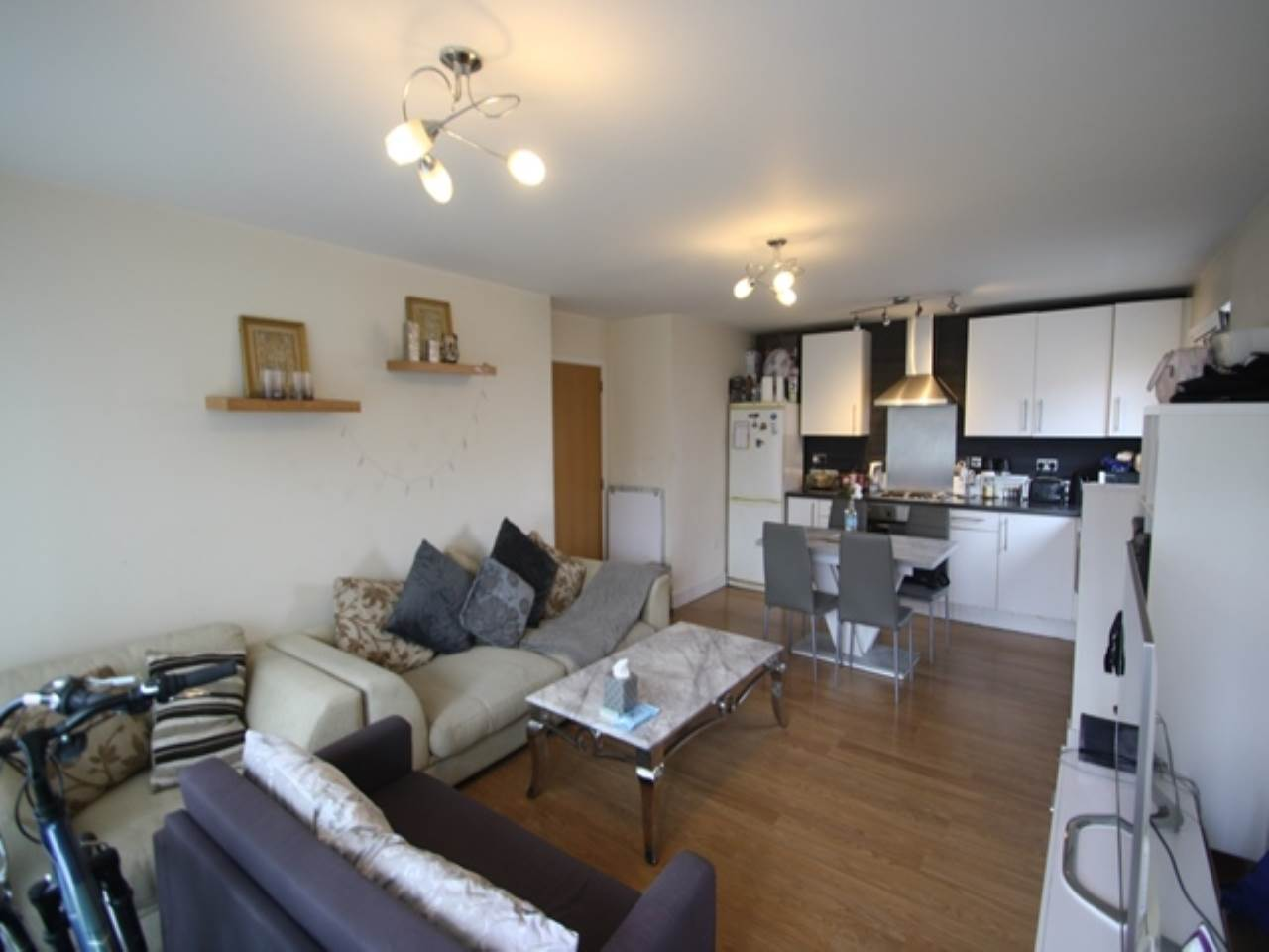 2 bed flat to rent in Royal Quay, E16