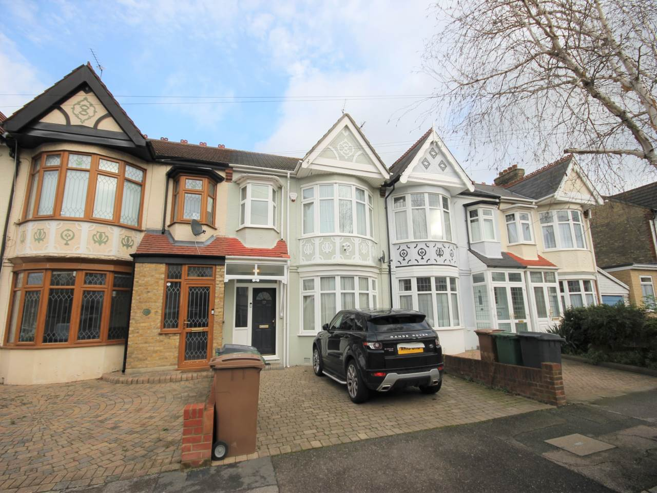 4 bed house to rent in Highams Park, E4