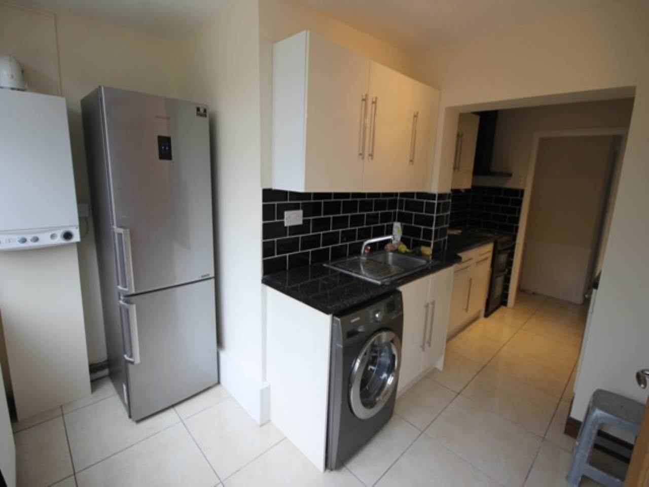 2 bed apartment to rent in Hainault, IG6