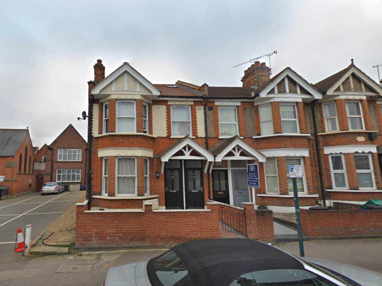 3 bed flat to rent in South Woodford, E18