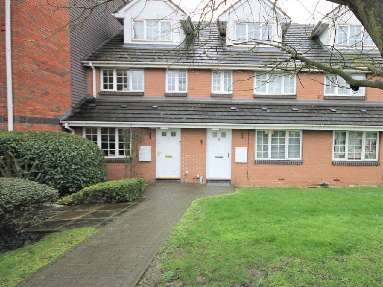 1 bed flat to rent in Friday Hill - Property Image 1