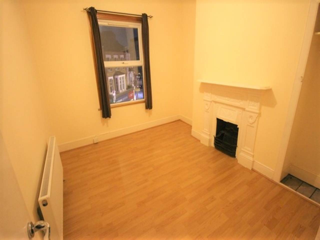2 bed flat to rent in Walthamstow, E17