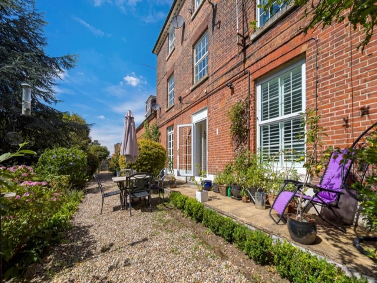2 bed flat for sale in Spriggs Oak, Palmers Hill  - Property Image 15