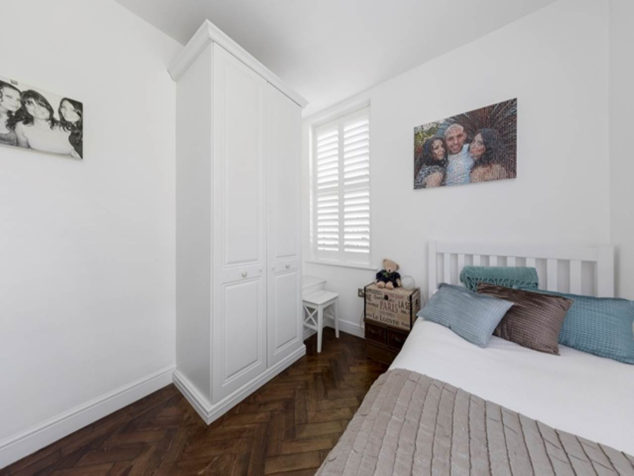 2 bed flat for sale in Spriggs Oak, Palmers Hill  - Property Image 13