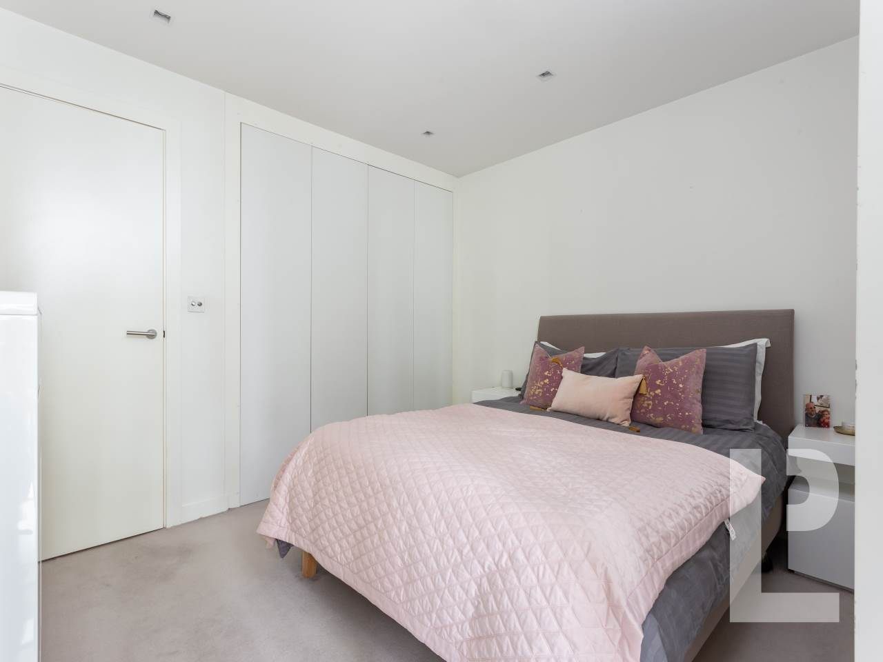 1 bed flat for sale in Spenlow Apartments , Wenlock Road 8