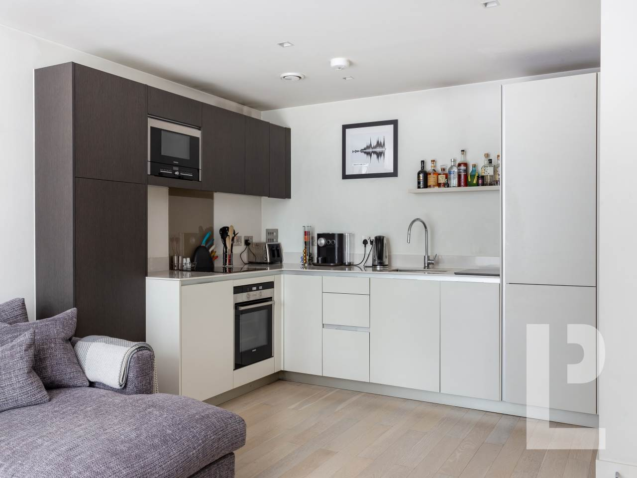 1 bed flat for sale in Wenlock Road 1