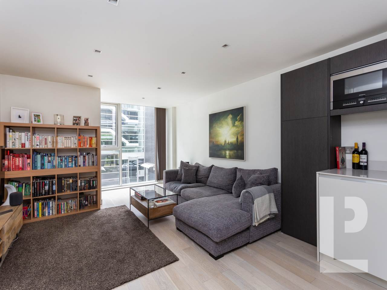 1 bed flat for sale in Wenlock Road 2