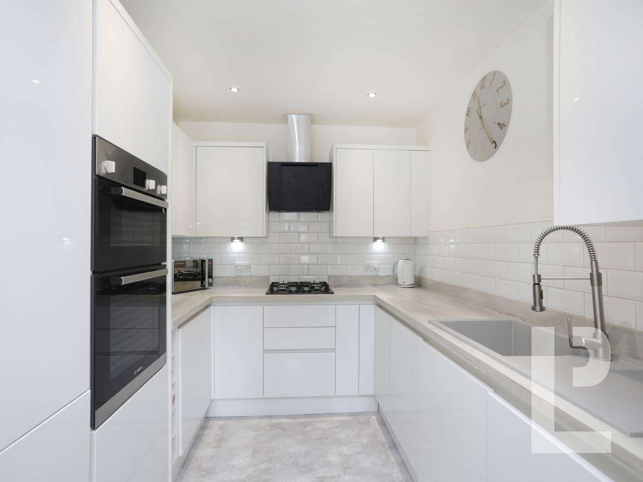 2 bed flat for sale in 40-44 Roding Lane  0