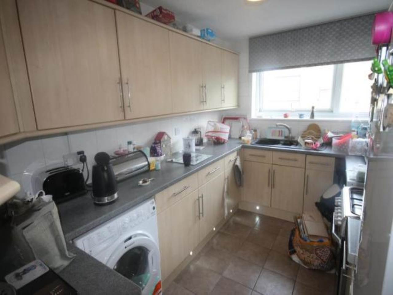 2 bed apartment for sale in Pellipar Close, London 3