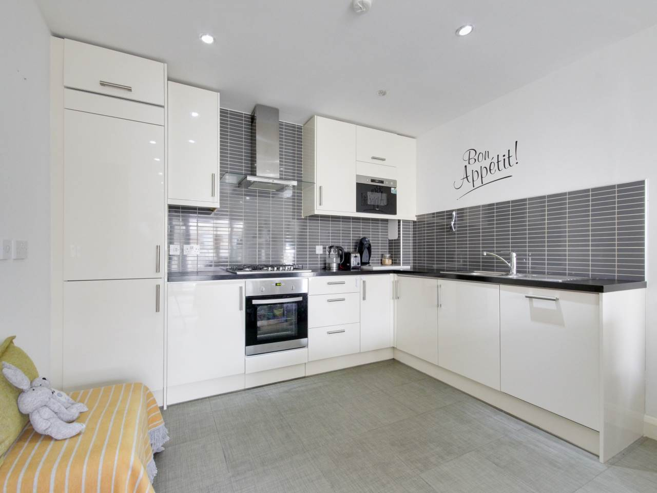2 bed flat for sale in Wanti Terrace , Chigwell , IG7
