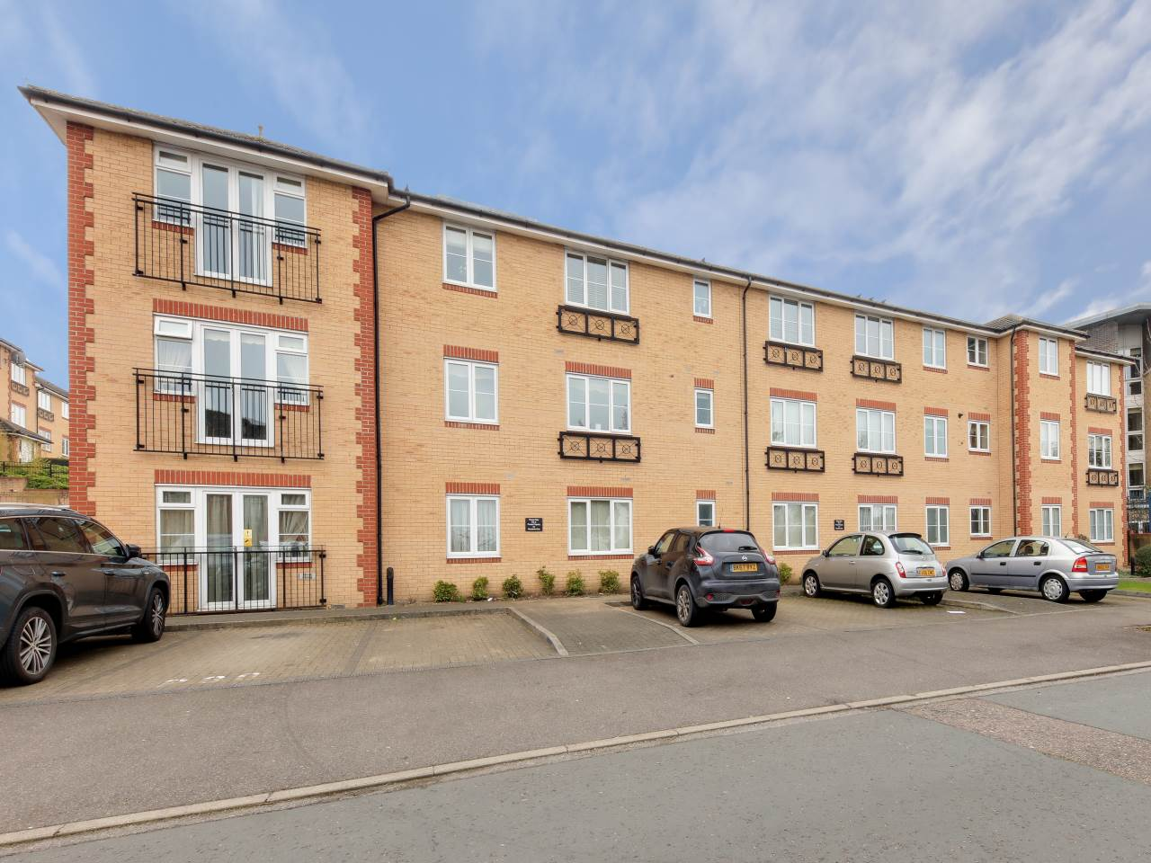 2 bed flat for sale in Oleastor Court, Stoneleigh Road  2