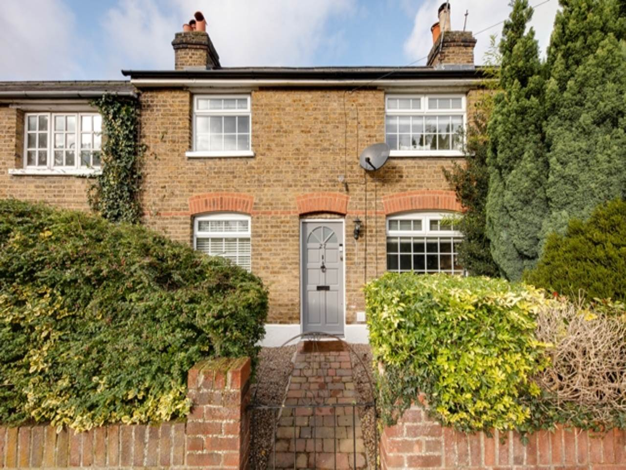 2 bed house for sale in Epping  - Property Image 1