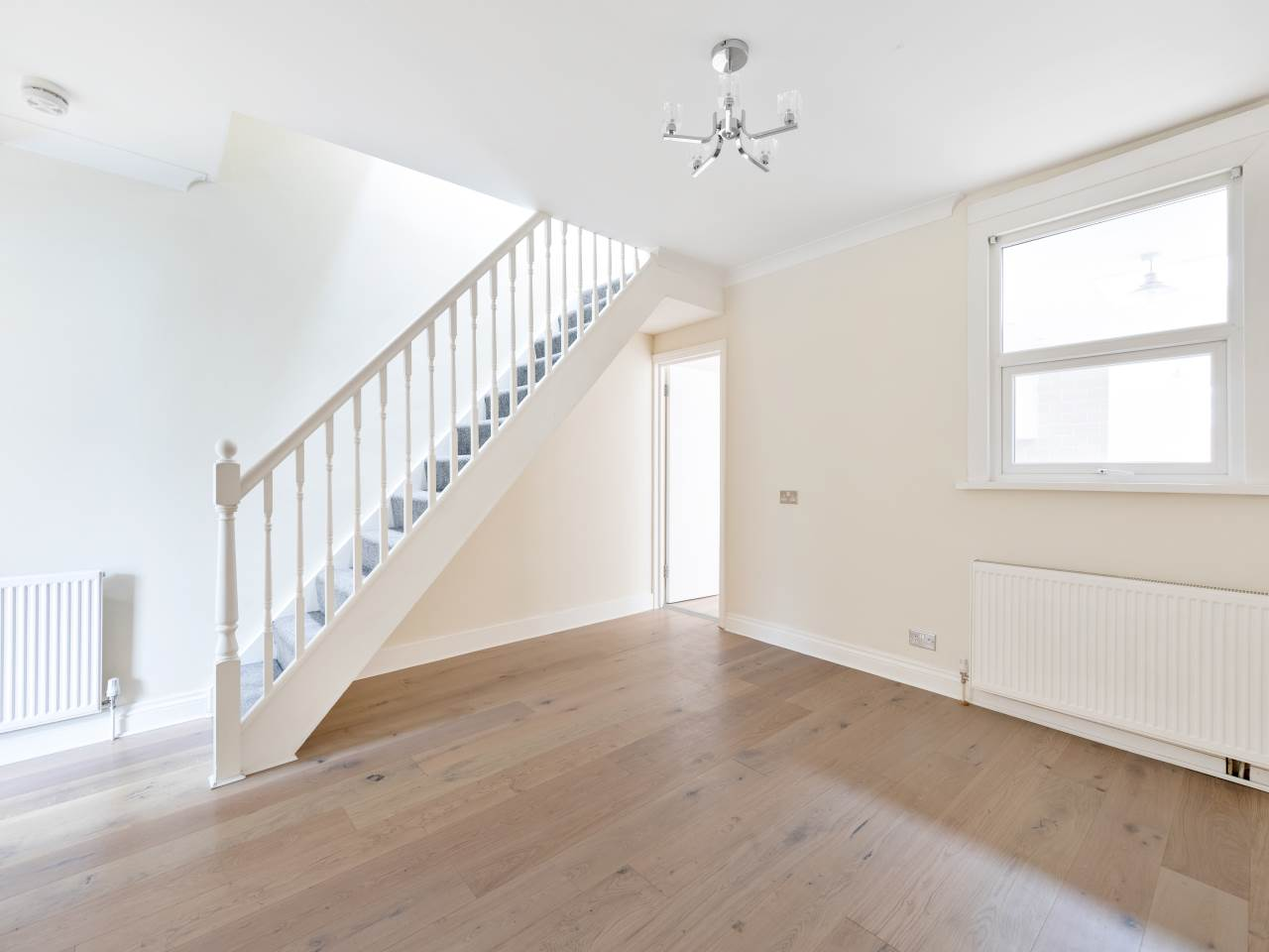 3 bed house for sale in Exning Road , Canning Town  5