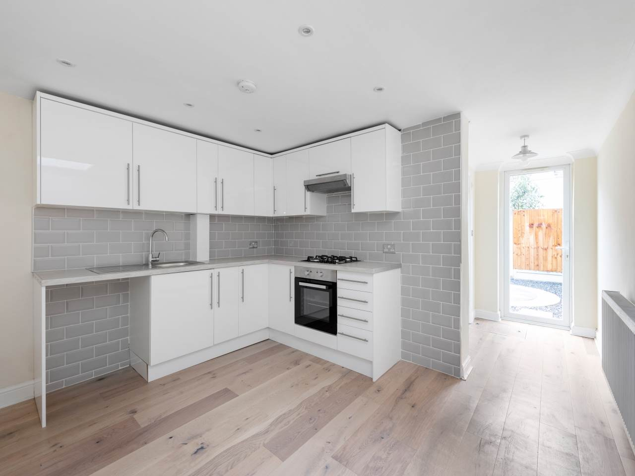 3 bed house for sale in Exning Road , Canning Town   - Property Image 2