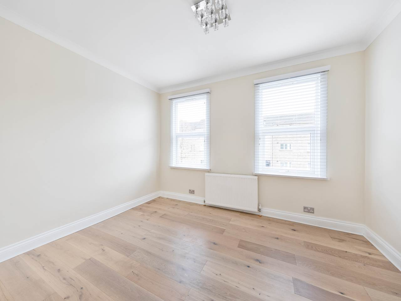 3 bed house for sale in Exning Road , Canning Town  7