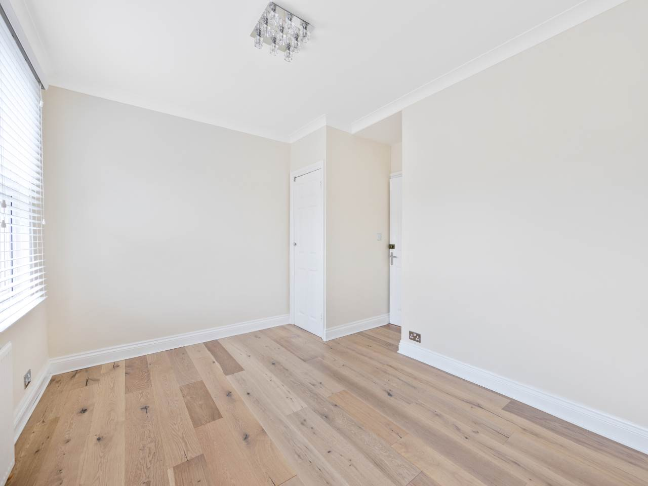 3 bed house for sale in Exning Road , Canning Town  8