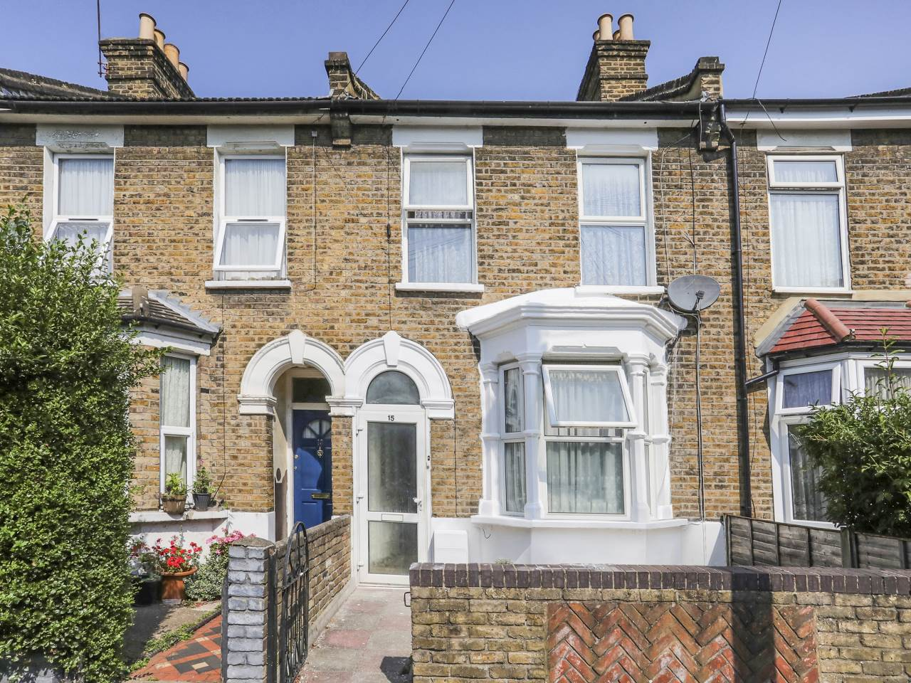 3 bed house for sale in Leyton  0