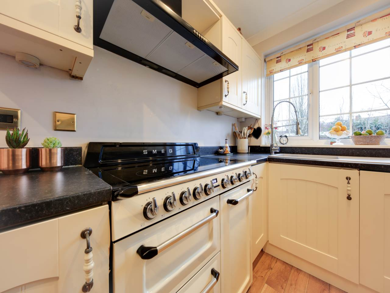 3 bed terraced house for sale in Faversham Close , Chigwell  6