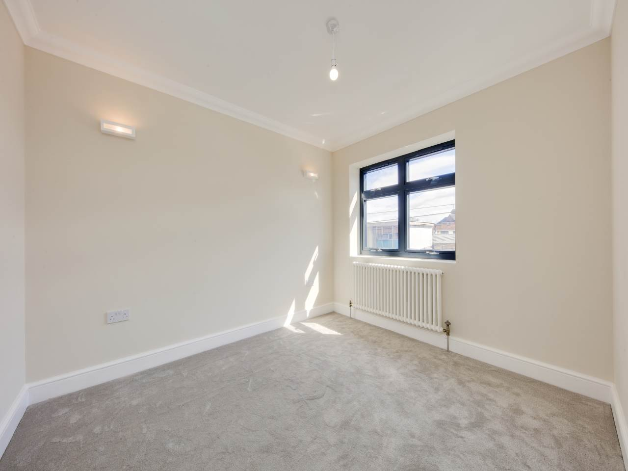 3 bed house for sale in Shernhall Street , Walthamstow   - Property Image 10