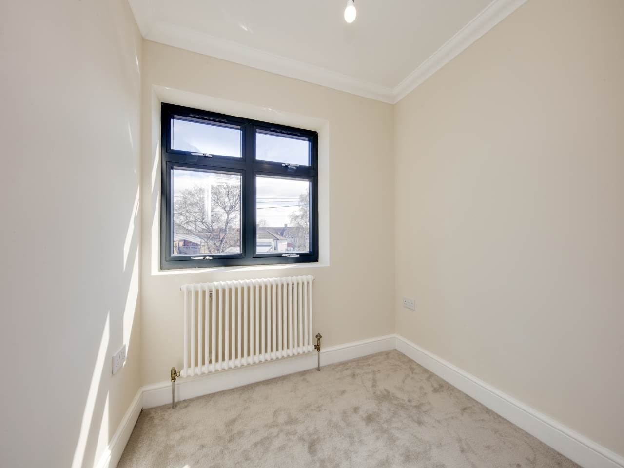 3 bed house for sale in Shernhall Street , Walthamstow   - Property Image 12