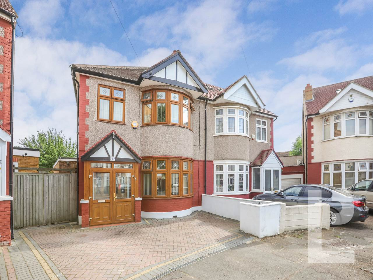 4 bed house for sale in Newbury Park   - Property Image 1