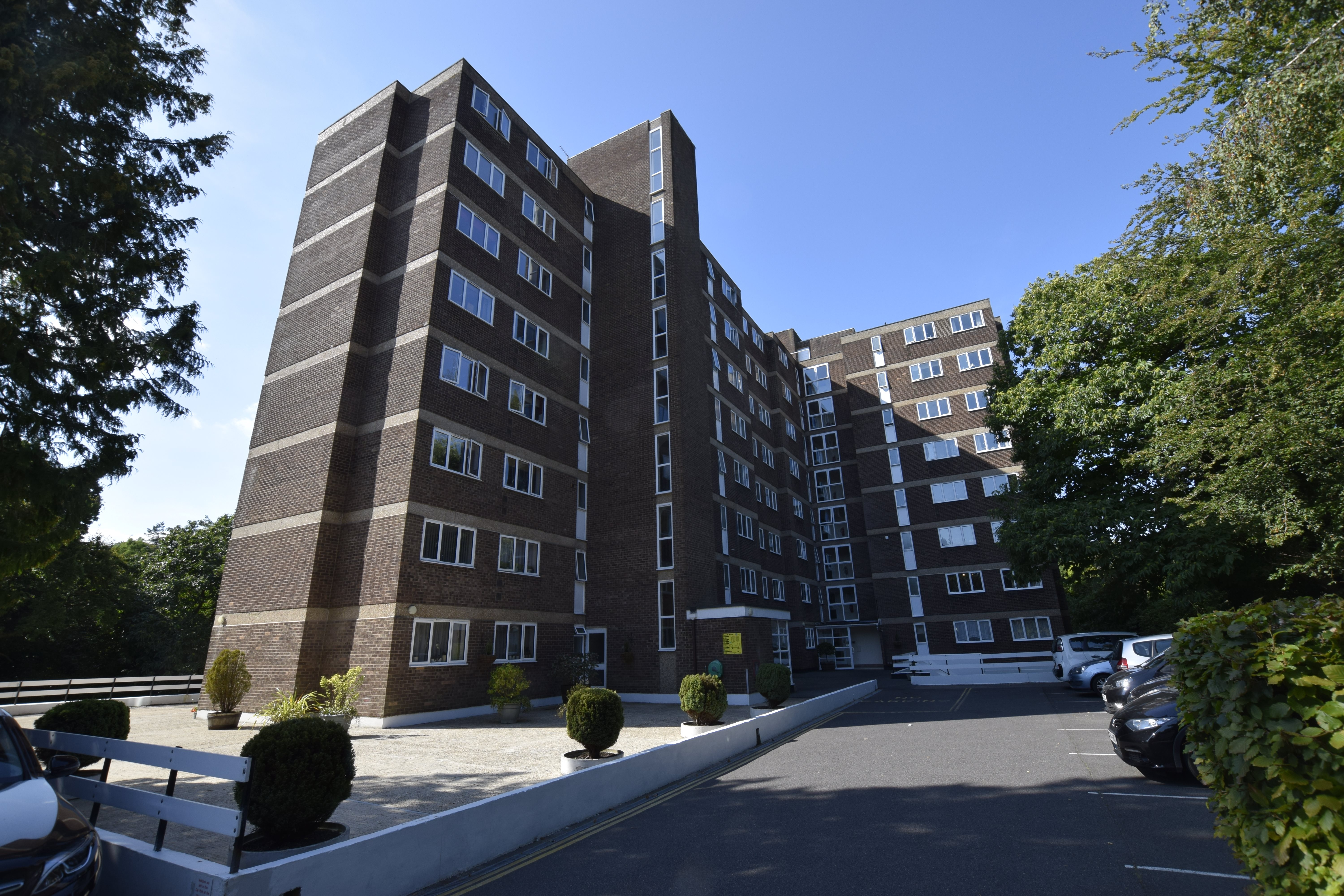 1 bed flat to rent in Branksome Wood Road, BH4