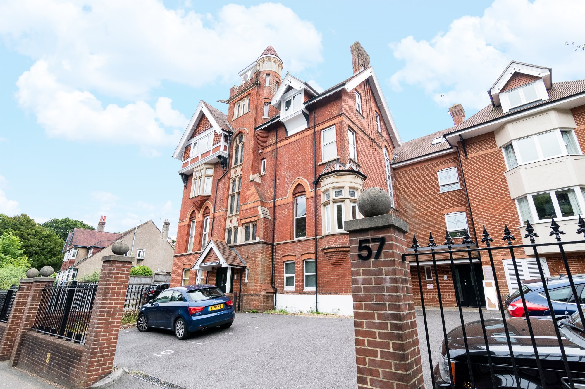 INVESTORS! Christopher Shaw are delighted to offer this beautifully presented split level apartment within easy access of Bournemouth town centre and beaches.Currently rented at £950pcm, and set in a block full of character and history this flat is well laid out offering a good amount of space. It also comes with one allocated parking space.