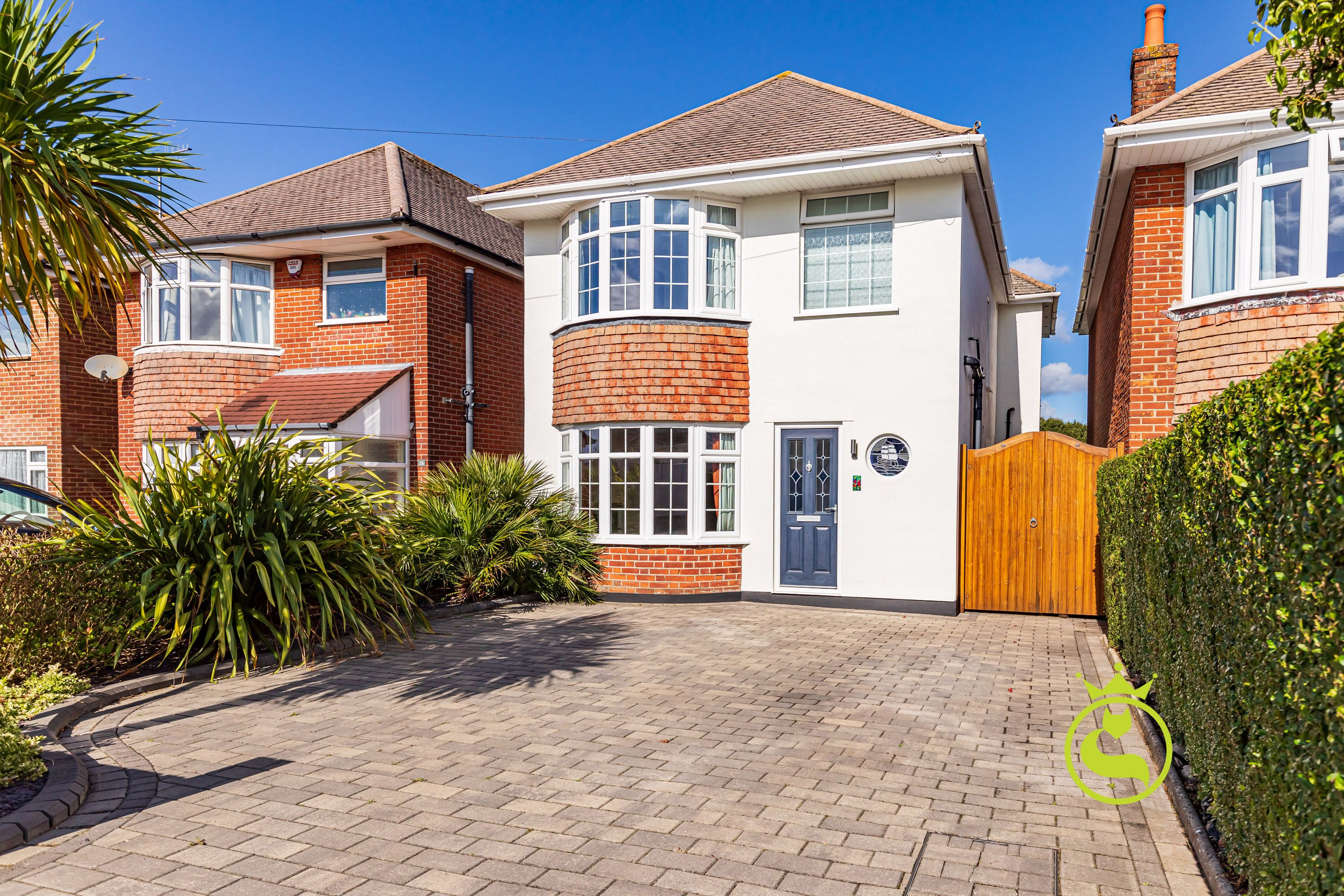 *Launch day Saturday 9th October* A fantastic family home offer over 1000 sqft of accommodation.