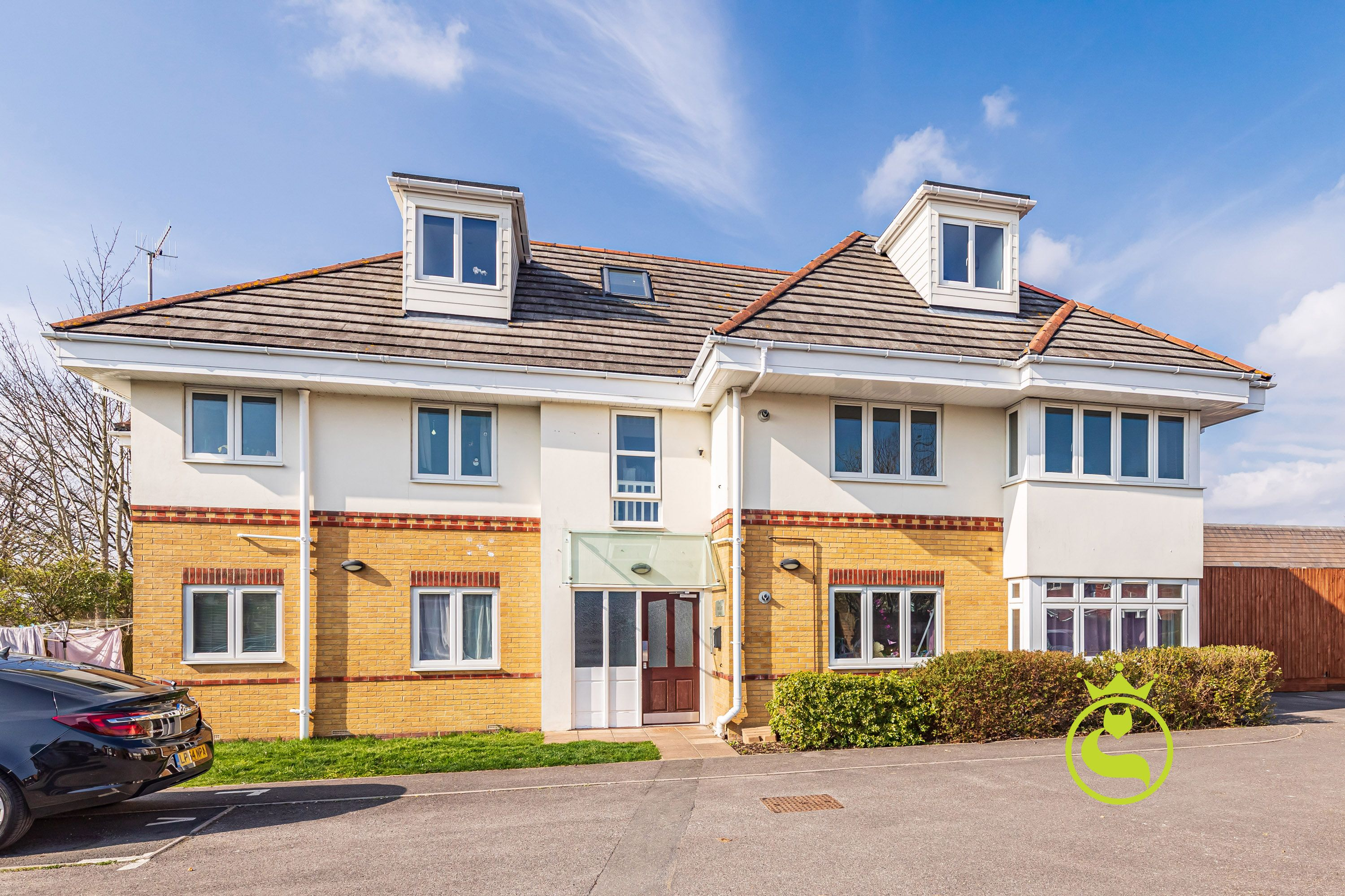 A great opportunity to purchase a ground floor apartment tucked away on a private road in the heart of Oakdale. You will fall in love with the open plan living area which leads onto the garden.