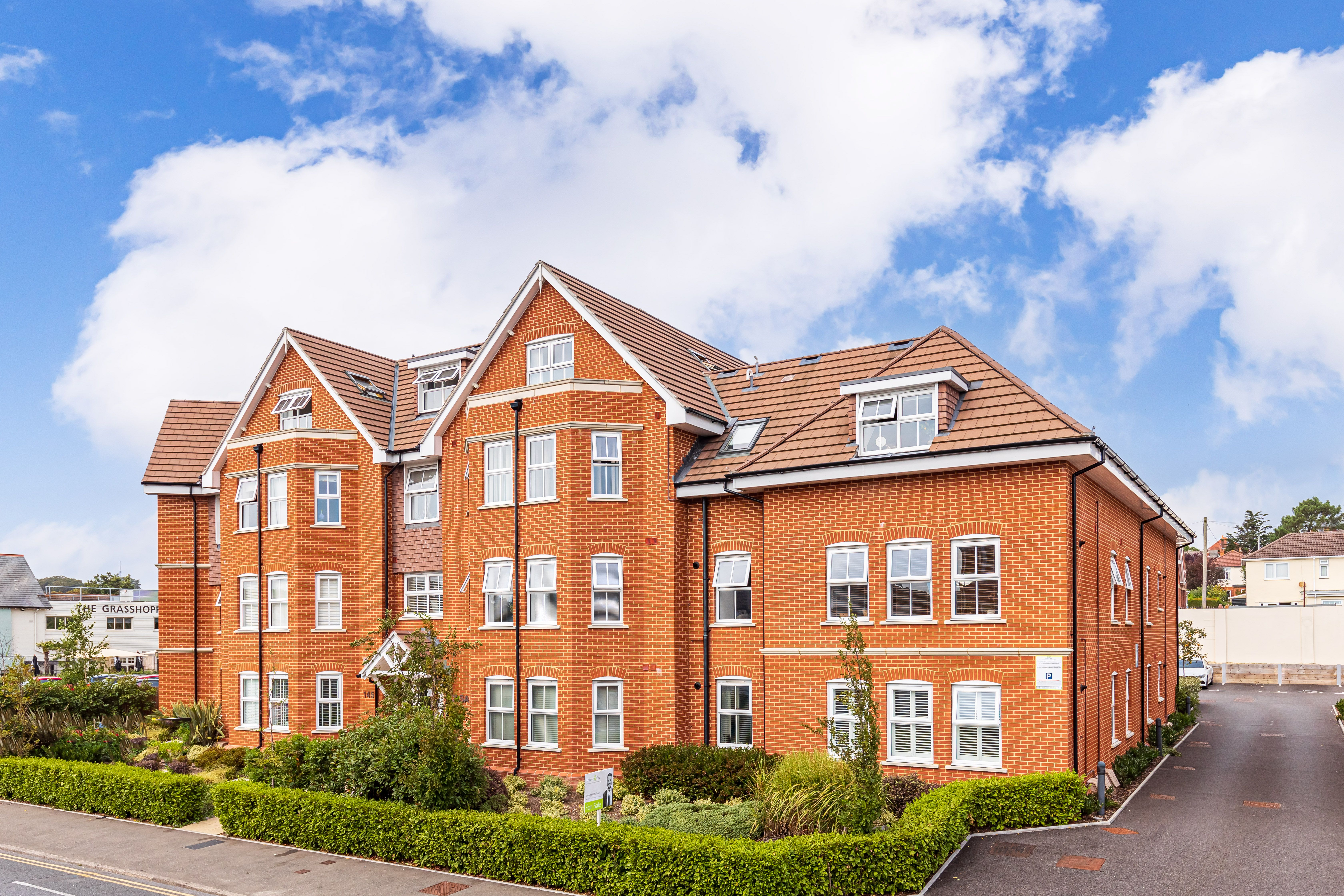 Ideal market entry for first time buyers! Beautiful one bedroom apartment with parking in the ever popular BH14 postcode!