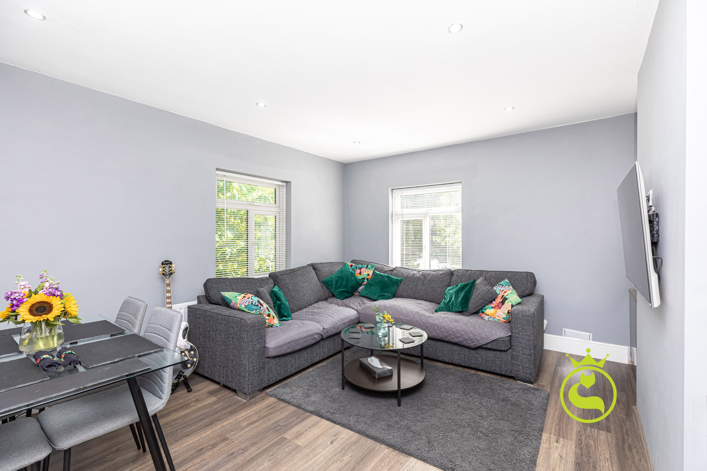 This bright and airy apartment, complete with a south westerly facing garden presents a superb opportunity for the first homebuyer or investor.