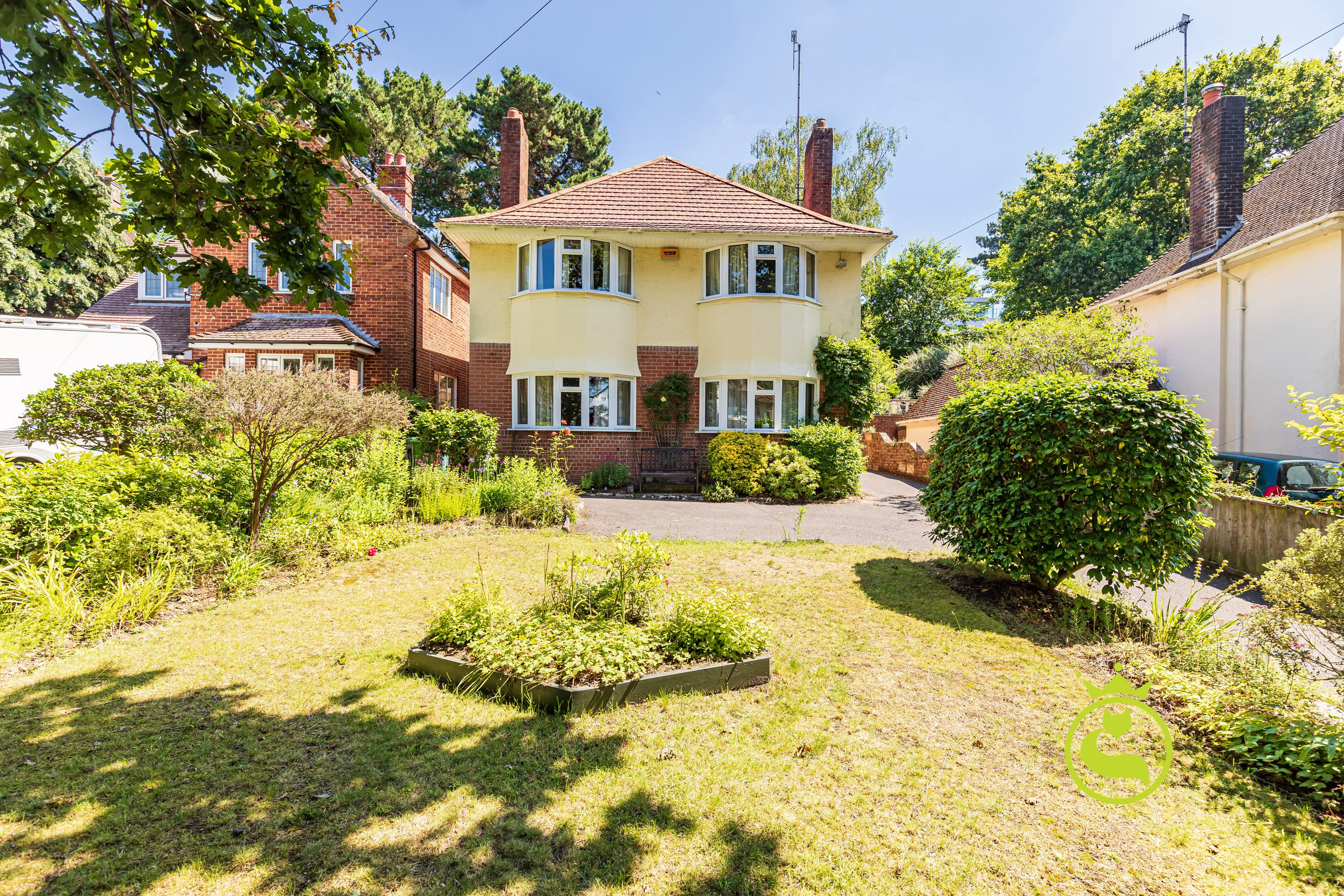 Make your mark on this family home in a lovely tree lined cul-de-sac location close to Ashley Cross Village.