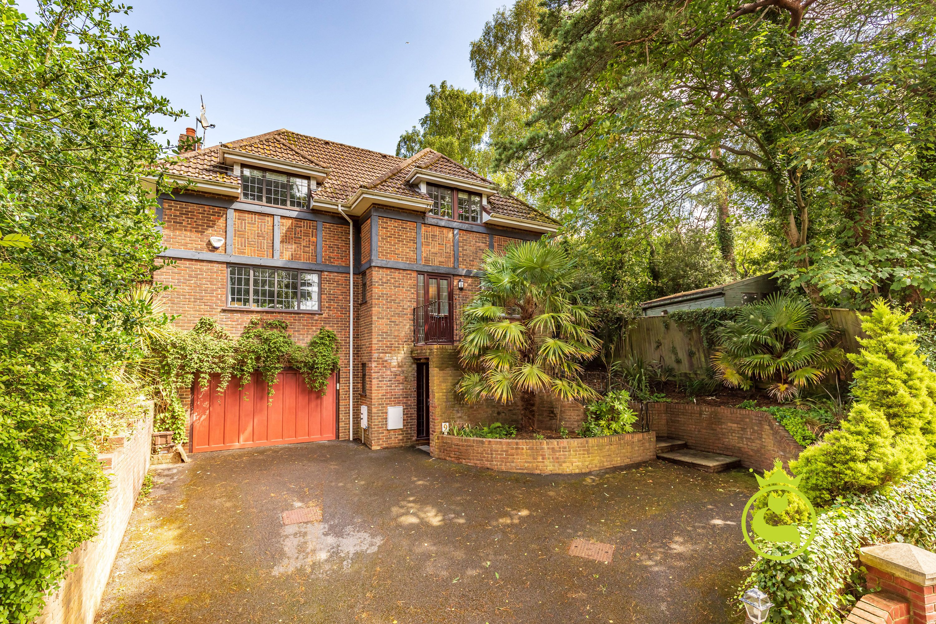 Fantastic family home in an even better location!