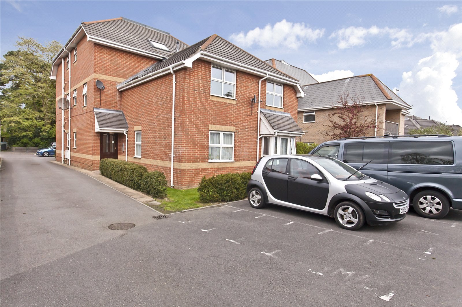 2 bed apartment to rent in Saffron Court, 183 Richmond Park Road, BH8
