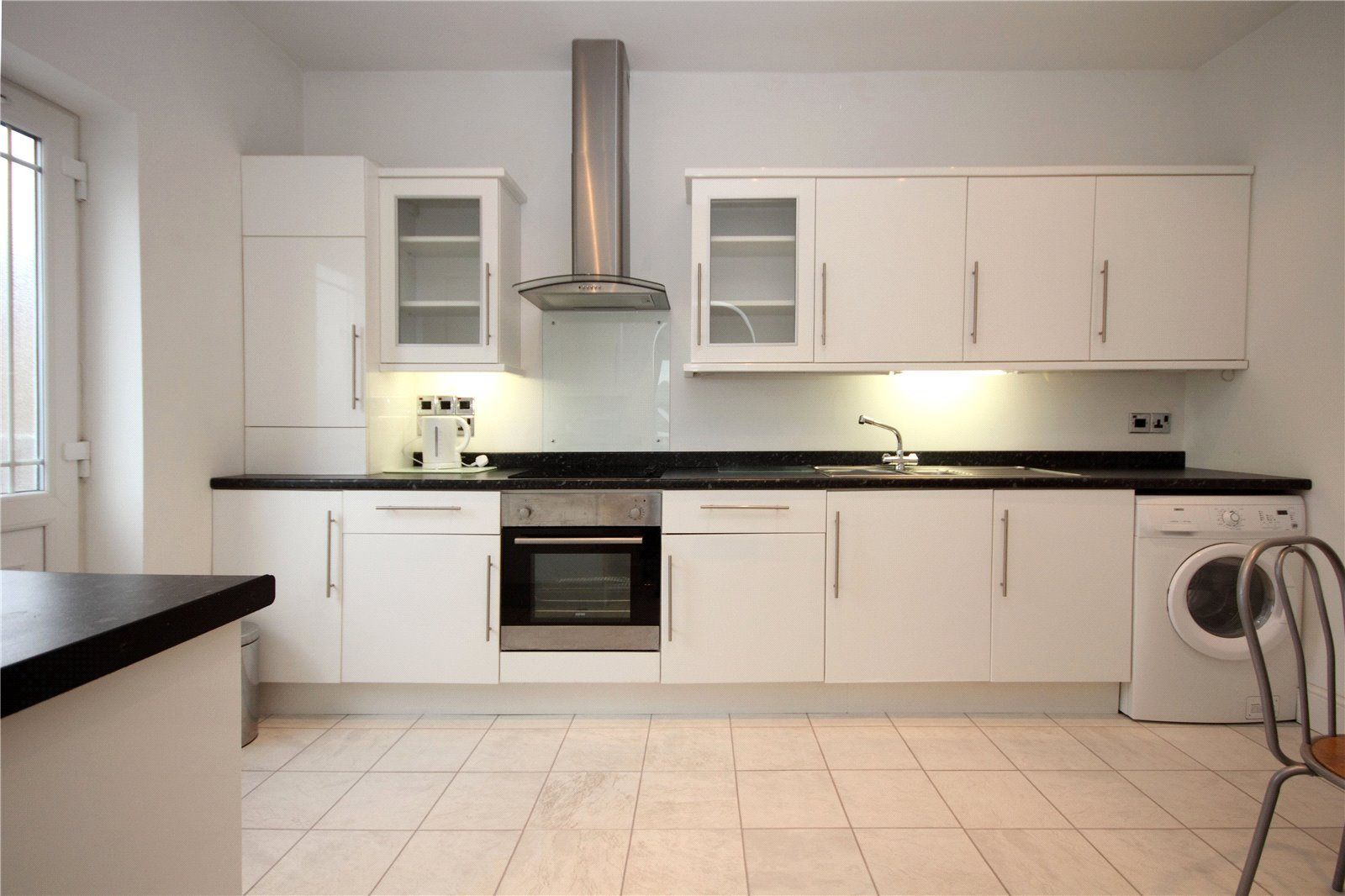 2 bed apartment to rent in Churchill Road, Poole, BH12