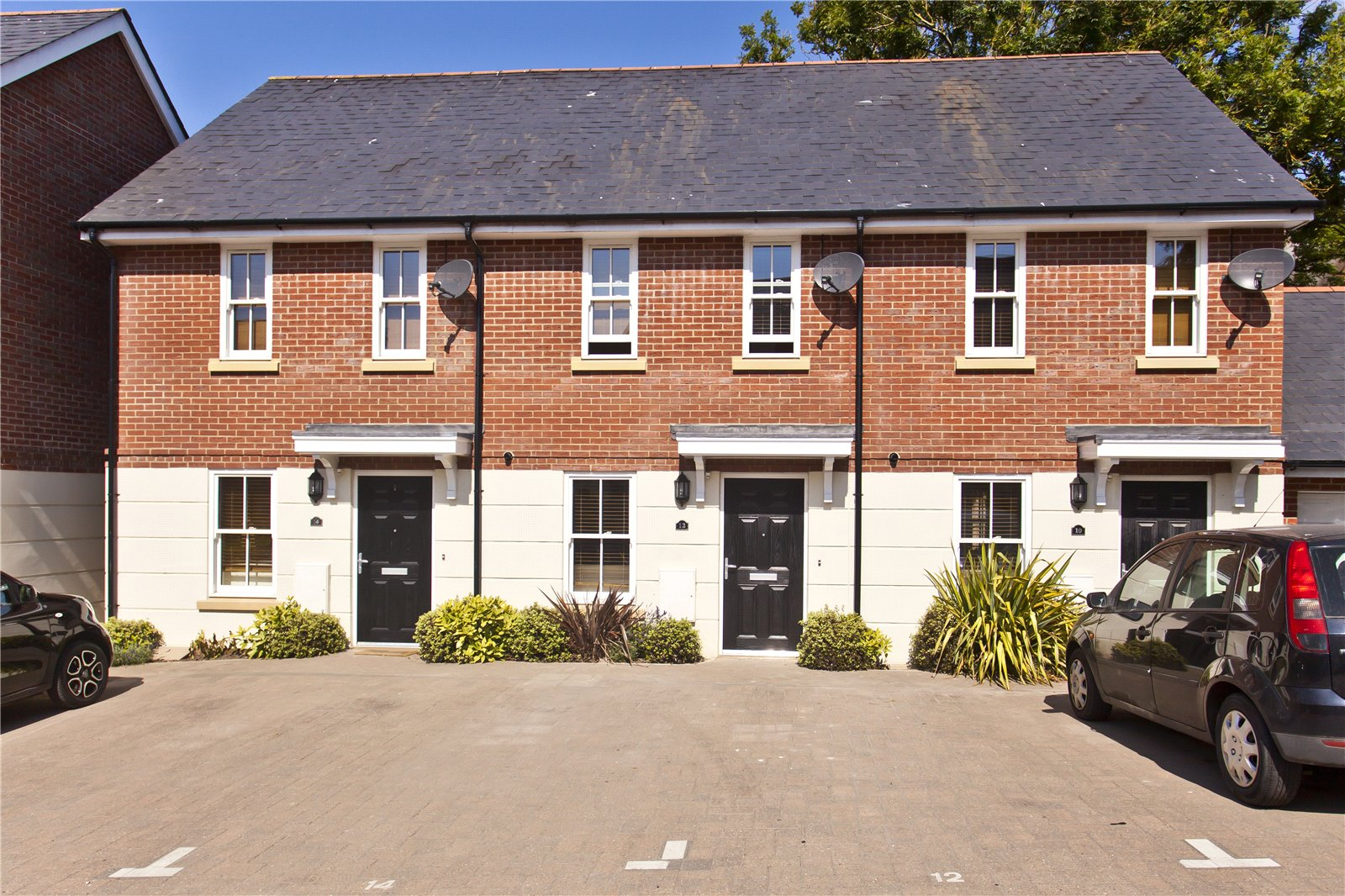 2 bed house to rent in Chalice Close, Poole., BH14