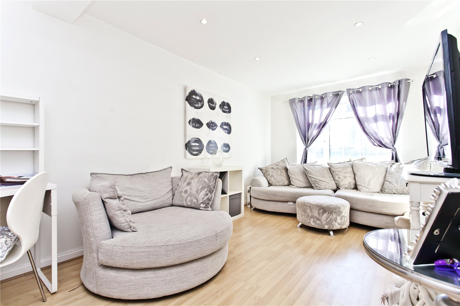 2 bed apartment to rent in Haven Road, Poole, BH13